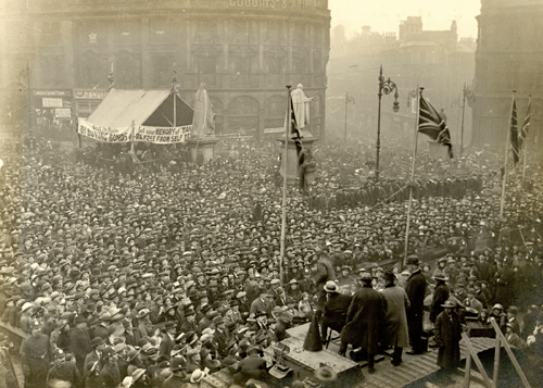 Tank Week Crowds in Victoria Square, 1918 [Library of Birmingham]