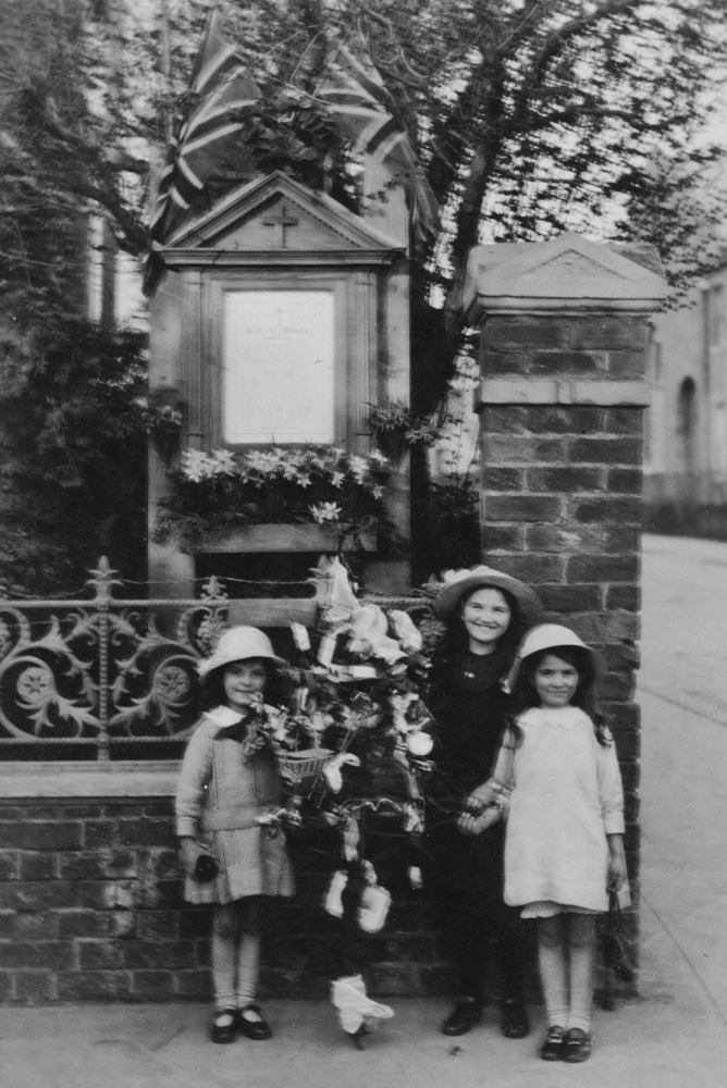 Street Shrine [image courtesy of Rushden Heritage]